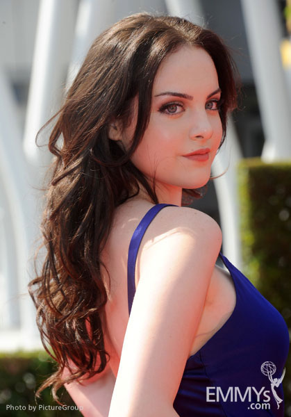 Elizabeth Gillies of Victorious attends the 2011 Primetime ...