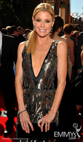 Julie Bowen arrives at the Academy of Television Arts & Sciences 63rd Primetime Emmy Awards at Nokia Theatre L.A. Live