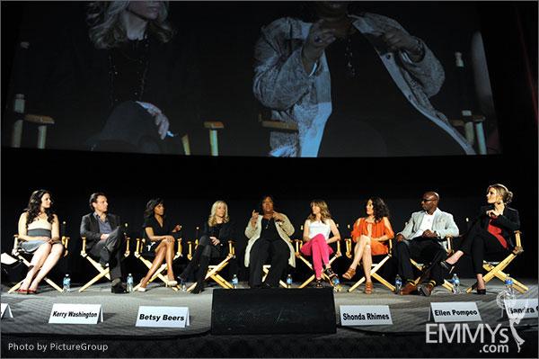 Shonda Rhimes, Ellen Pompeo, Sandra Oh, Taye Diggs, KaDee Strickland, Katie Lowes, Tony Goldwyn, Kerry Washington, Betsy Beers