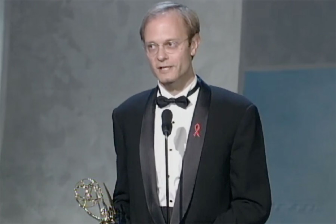 David Hyde Pierce accepts the Emmy for Supporting Actor in ...