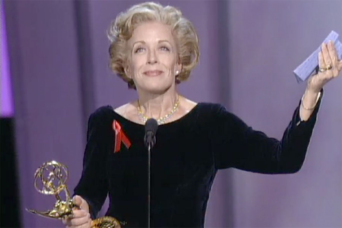 holland taylor accepts the emmy for supporting actress in