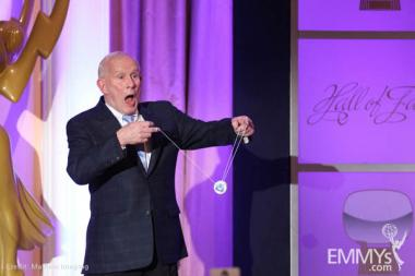 Hall of Fame inductee Tom Smothers demonstrates his yo-yo skills.