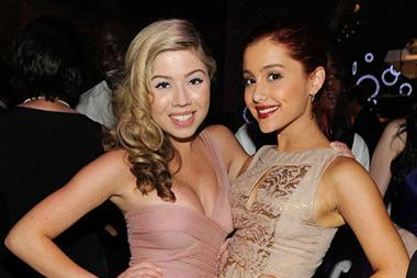 (L-R) Jennette McCurdy and Ariana Grande