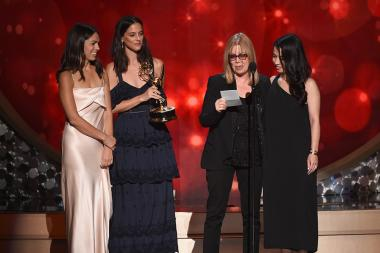 The team from The People V. O.J. Simpson: American Crime Story accepts their award at the 2016 Creative Arts Emmys.