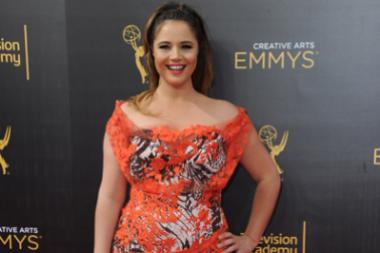 Kether Donohue on the red carpet at the 2016 Creative Arts Emmys.