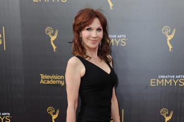Marilu Henner on the red carpet at the 2016 Creative Arts Emmys.