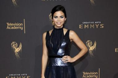 Jenna Dewan Tatum on the red carpet at the 2017 Creative Arts Emmys.