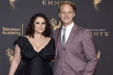 Kether Donohue and Chris Geere on the red carpet at the 2017 Creative Arts Emmys.