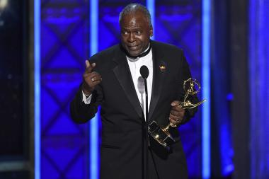 Kim Estes accepts his award at the 2017 Creative Arts Emmys.