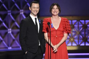 Joseph Gordon-Levitt and Kathryn Hahn present an award at the 2017 Creative Arts Emmys.