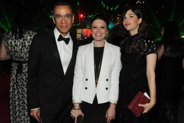 Fred Armisen (l) of Portlandia, Natasha Lyonne (c) of Orange Is the New Black and Carrie Brownstein (r) of Portlandia at the 2014 Creative Arts Emmys ball.