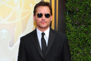 Peter Facinelli on the red carpet at the 2015 Creative Arts Emmys.