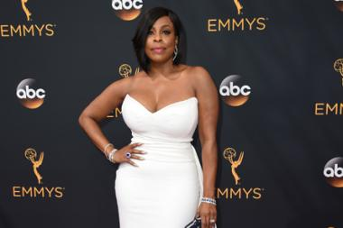 Niecy Nash on the red carpet at the 2016 Primetime Emmys.