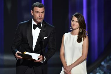 Liev Shreiber and Keri Russell present an award at the 2016 Primetime Emmys.
