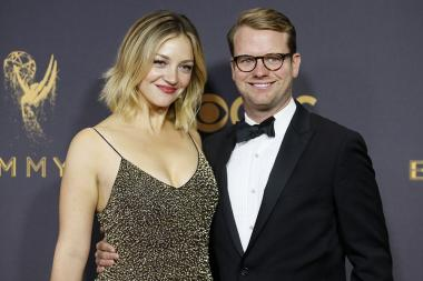 Abby Elliott and Bill Kennedy on the red carpet at the 2017 Primetime Emmys.