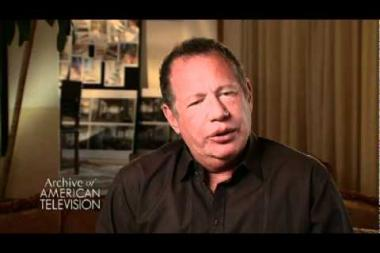 Embedded thumbnail for Garry Shandling on writing George Carlin style monologues and meeting Carlin