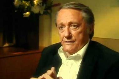 "Embedded thumbnail for Robert Vaughn on getting discovered by Burt Lancaster when Vaughn performed in ""End is a Man"""