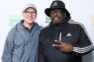 Greg Fitzsimmons and host Cedric The Entertainer