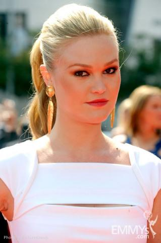 Julia Stiles attends the Academy of Television Arts and Sciences 2011 Primetime Creative Arts Emmys