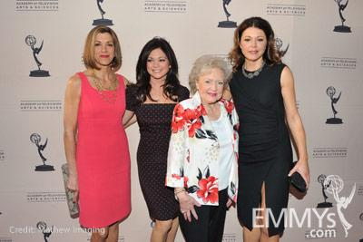 Hot In Cleveland - Wendie Malick, Valerie Bertinelli, Betty White & Jane Leeves