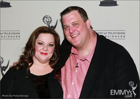 Melissa McCarthy and Billy Gardell attend an Evening with Mike & Molly