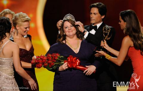 """Melissa McCarthy accepts the award for Outstanding Lead Actress in a Comedy Series  for """"Mike and Molly"""""""