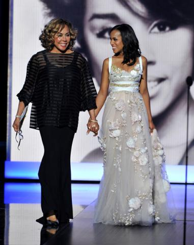 Diahann Carroll and Kerry Washington present the award for Outstanding Supporting Actor in a Drama Series