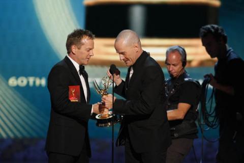 Kiefer Sutherland & Bryan Cranston at the 60th Primetime Emmys