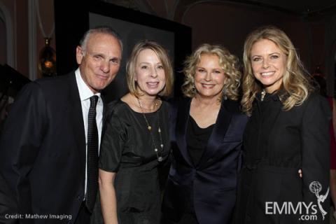 Joe Regalbuto, Diane English, Candice Bergen and Faith Ford.