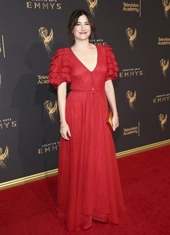 Kathryn Hahn on the red carpet at the 2017 Creative Arts Emmys.