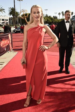 Julianne Hough on the red carpet at the 2016 Primetime Emmys.