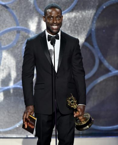 Sterling K. Brown accepts his award at the 2016 Primetime Emmys.