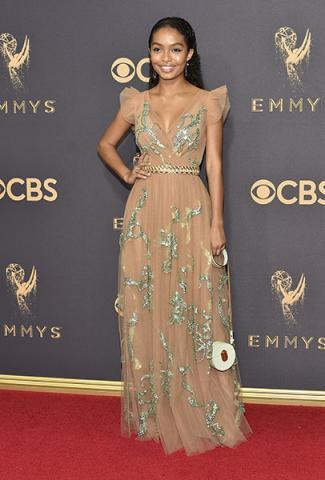 Yara Shahidi on the red carpet at the 2017 Primetime Emmys.