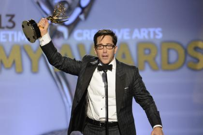 Dan Bucatinsky accepts his award for Oustanding Guest Actor in a Drama Series