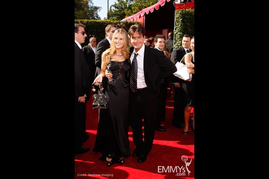 Charlie Sheen arrives at the 59th Primetime Emmy Awards