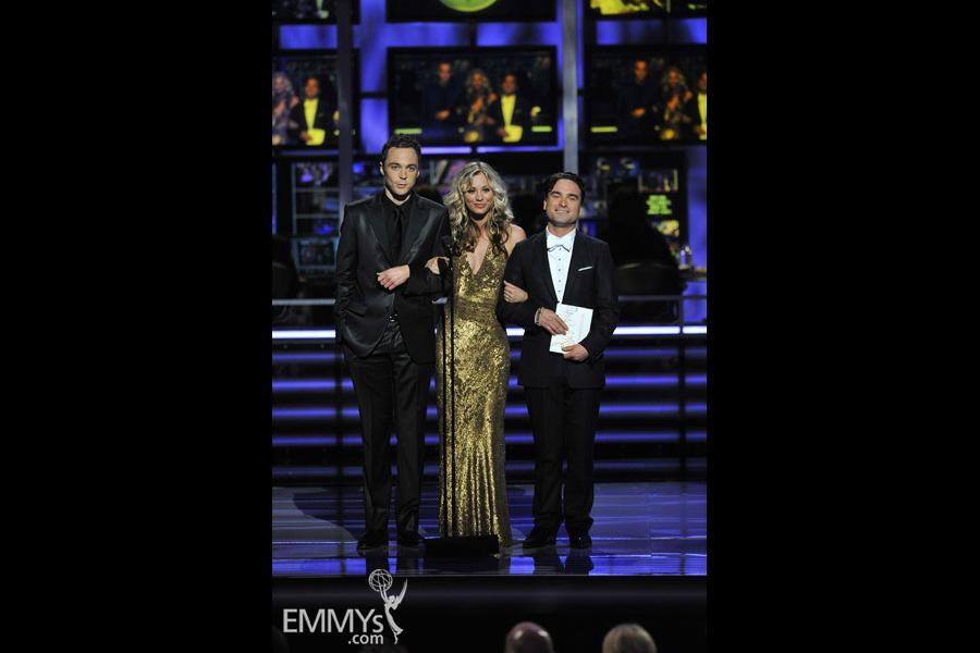 Jim Parsons, Kaley Cuoco & Johnny Galecki at the 61st Primetime Emmy Awards