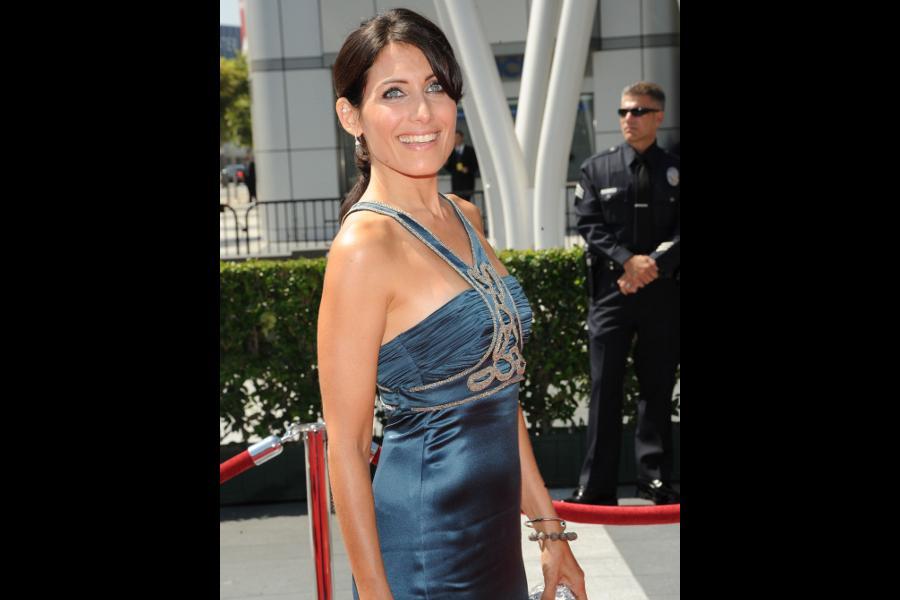 Lisa Edelstein arrives at the 62nd Primetime Creative Arts Emmy Awards