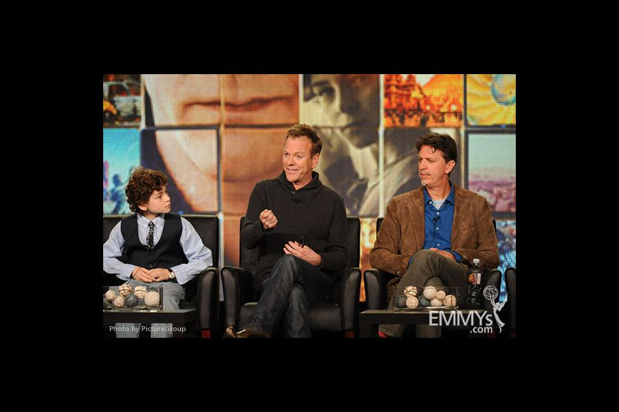 David Mazouz, Kiefer Sutherland and Tim Kring onstage during the Touch panel