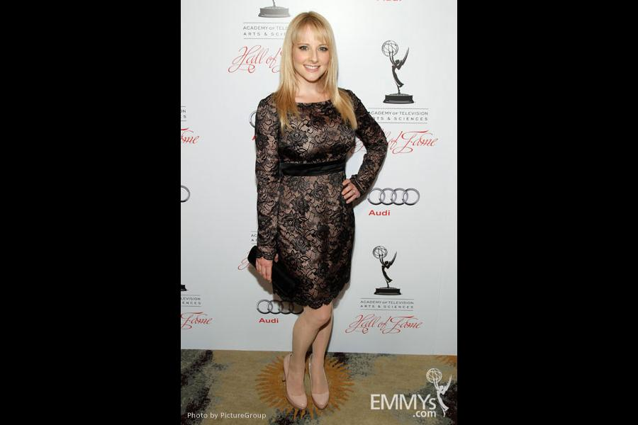Melissa Rauch arrives at the 21st Annual Hall of Fame Gala