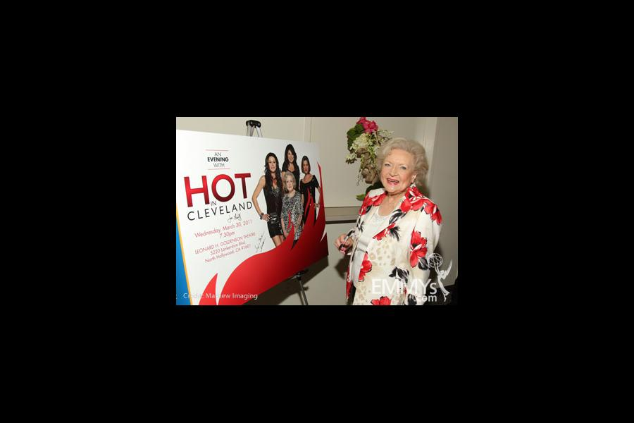 Hot In Cleveland - Betty White