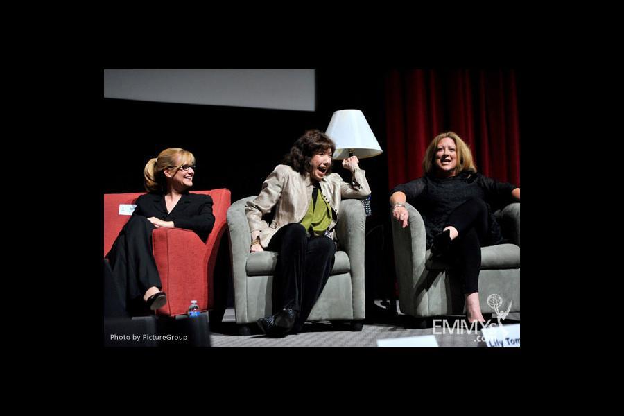Bonnie Hunt, Lily Tomlin & Elayne Boosler at Ladies Who Make Us Laugh