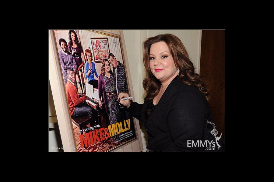 Melissa McCarthy attends an Evening with Mike & Molly