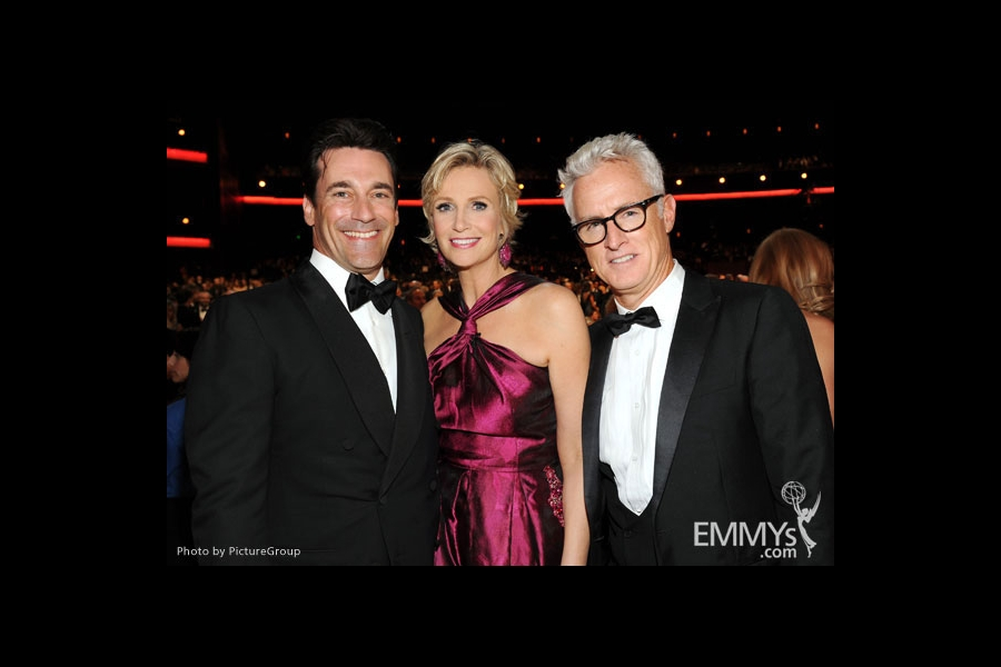 (L-R) Jon Hamm, Jane Lynch and John Slattery backstage
