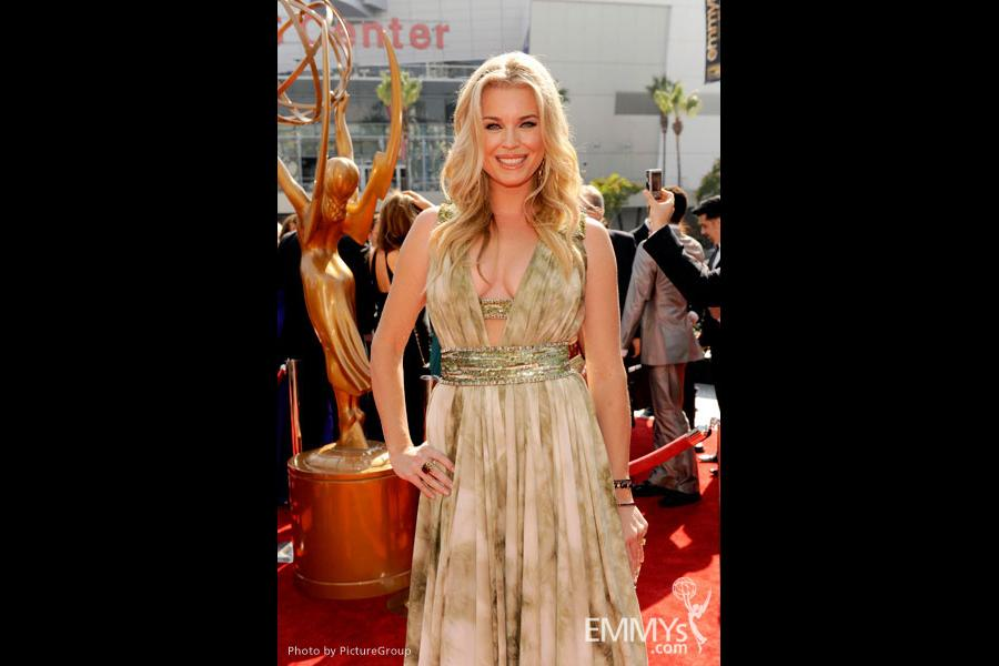 Rebecca Romijn attends the Academy of Television Arts and Sciences 2011 Primetime Creative Arts Emmys