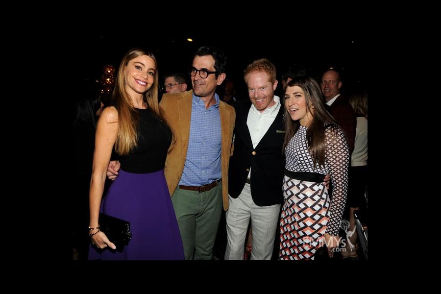 Sofia Vergara, Ty Burrell, Jesse Tyler Ferguson and Mayim Bialik at the 2013 Performers Emmy Celebration