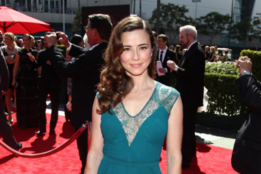Linda Cardellini on the Red Carpet at the 65th Creative Arts Emmys