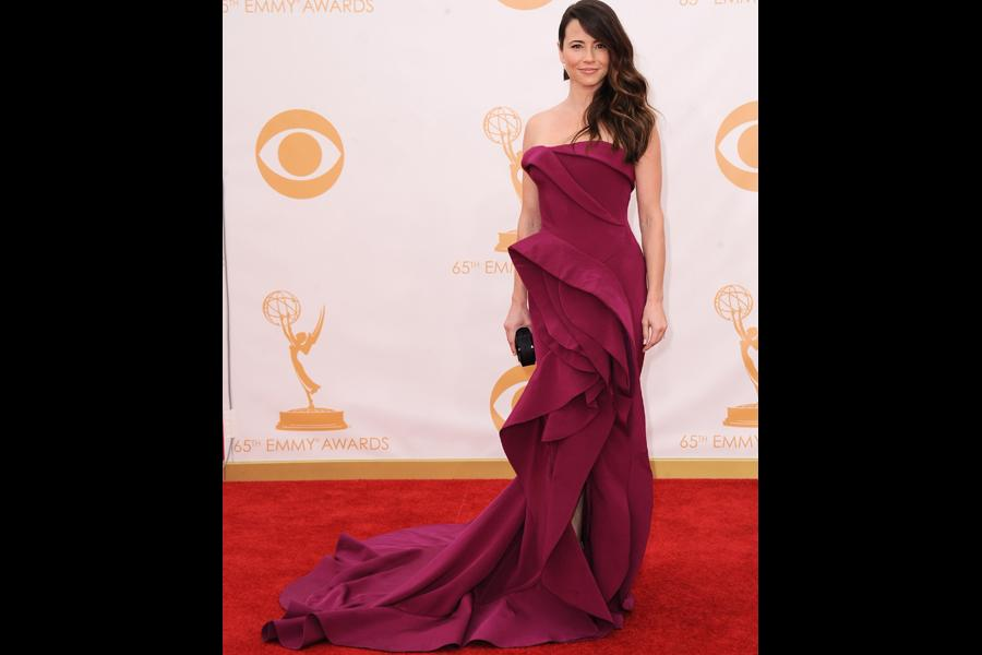 Linda Cardellini on the Red Carpet at the 65th Emmys