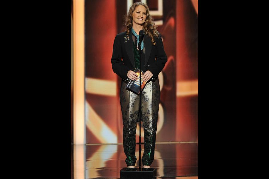 Melissa Leo presents the award for Outstanding Directing for a Comedy Series