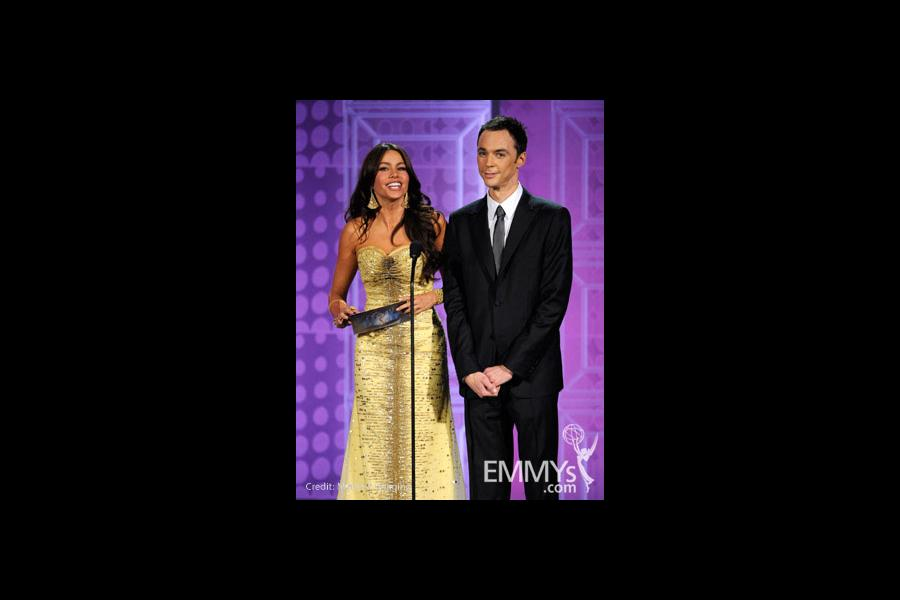 Actors Sofia Vergara (L) and Jim Parsons present an award onstage at the 62nd Annual Primetime Emmy Awards held at the Nokia The