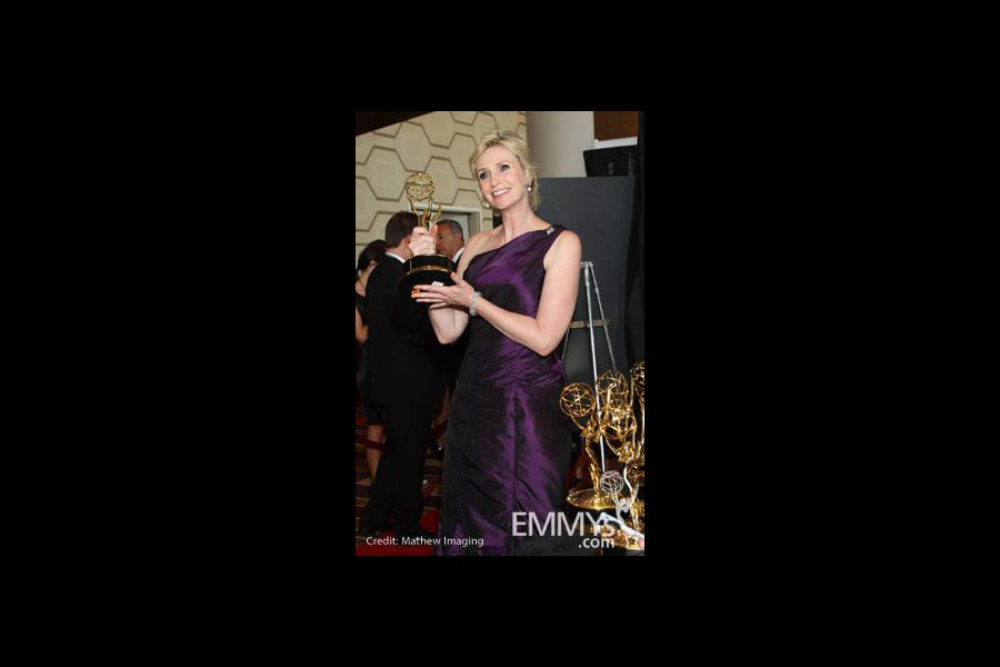Jane Lynch with award backstage at the Trophy Room at the 62nd Annual Primetime Emmy Awards held at the Nokia Theatre